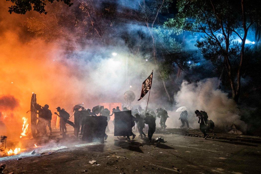 香港暴力持续升级 煽动情绪和偏颇报道何以令人信服?